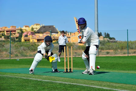 cheltenham_school_cricket_squad_training_at_desert_springs_2012