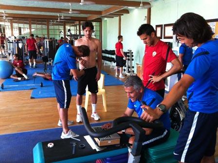 El Equipo del UD Almer?a entrenando en el Club Deportivo de Las Sierras