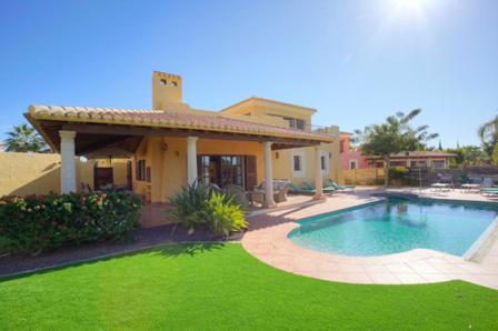 Un ejemplo t?pico de una Villa de Propiedad Privada en Desert Springs Resort donde se alojaron los jugadores y oficiales de Inglaterra