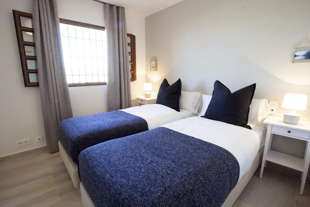 153 Las Sierras III Guest Bedroom 02