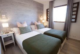 154 Las Sierras III Guest Bedroom 01
