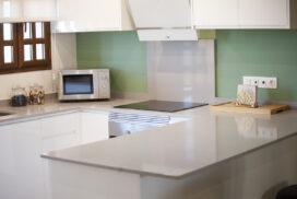 154 Las Sierras III Kitchen 01