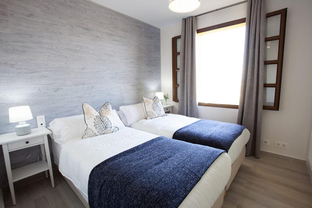 254 Las Sierras III Guest Bedroom 01