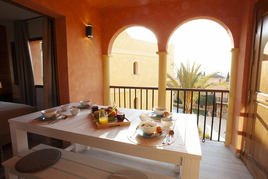 353 Las Sierras III Terrace 01